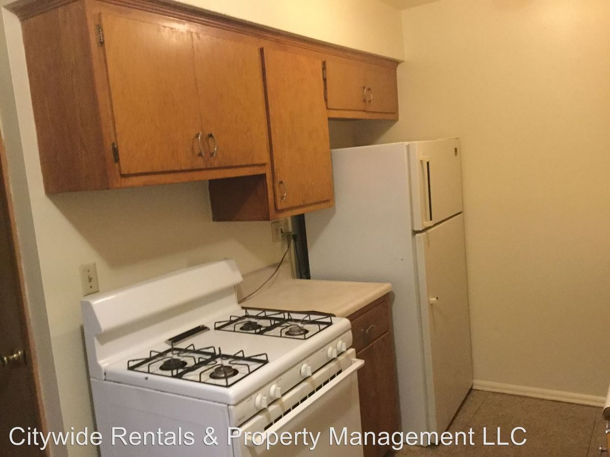 2 Bedrooms 1 Bathroom Apartment for rent at 6425 N 54th St in Milwaukee, WI