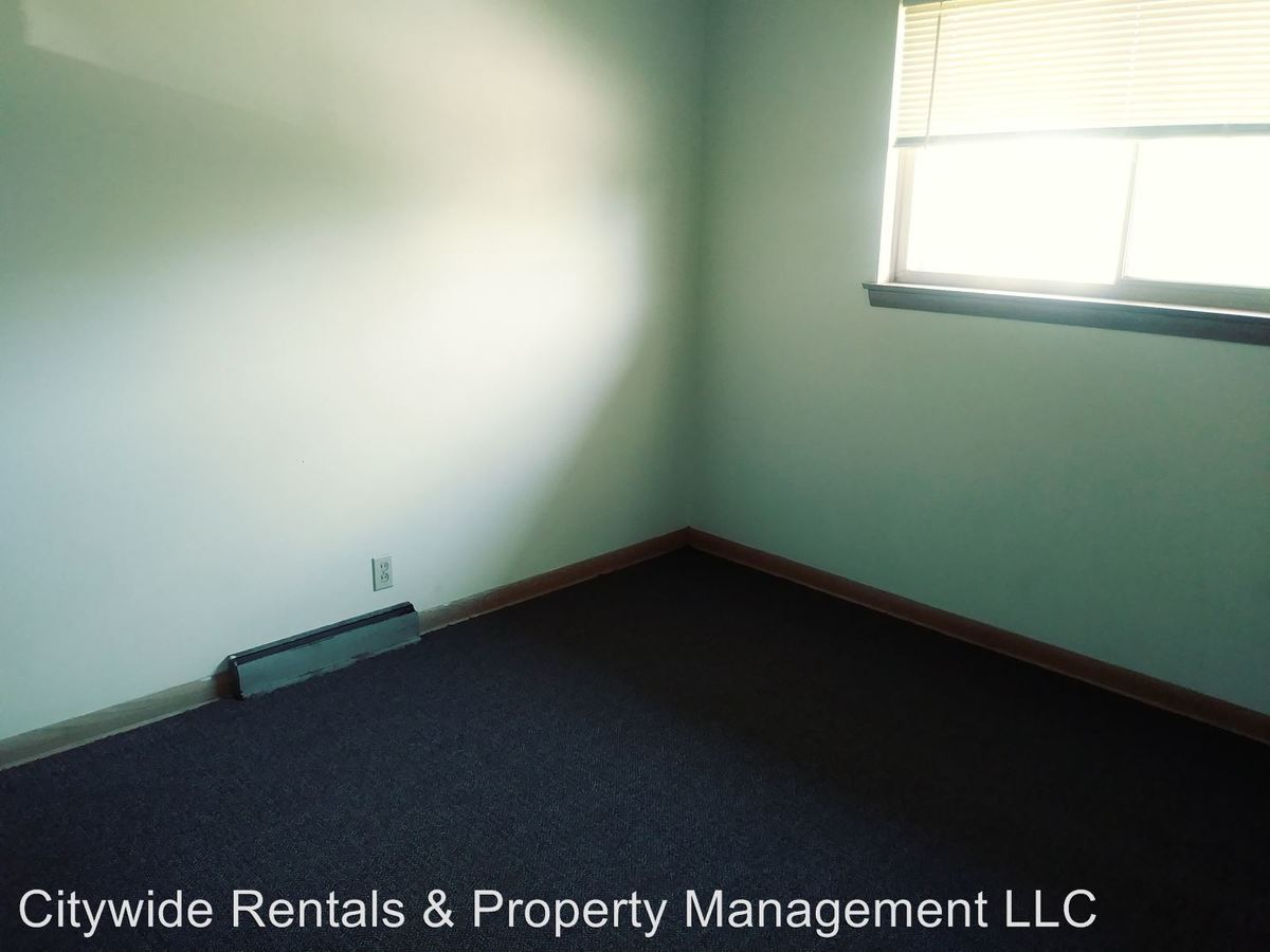 2 Bedrooms 1 Bathroom Apartment for rent at 6110 W Kaul Ave in Milwaukee, WI