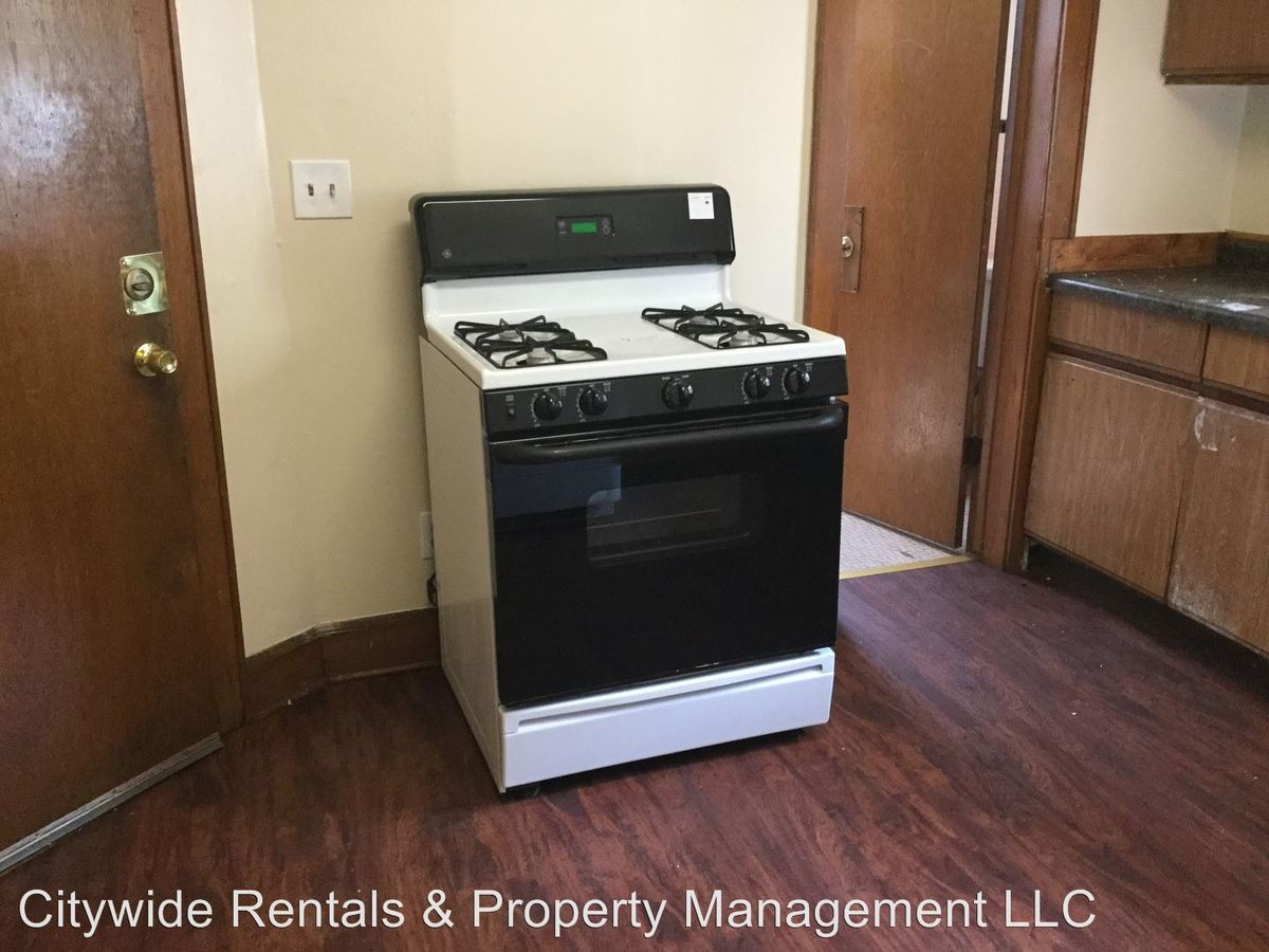 4 Bedrooms 2 Bathrooms Apartment for rent at 2374 N Buffum St in Milwaukee, WI
