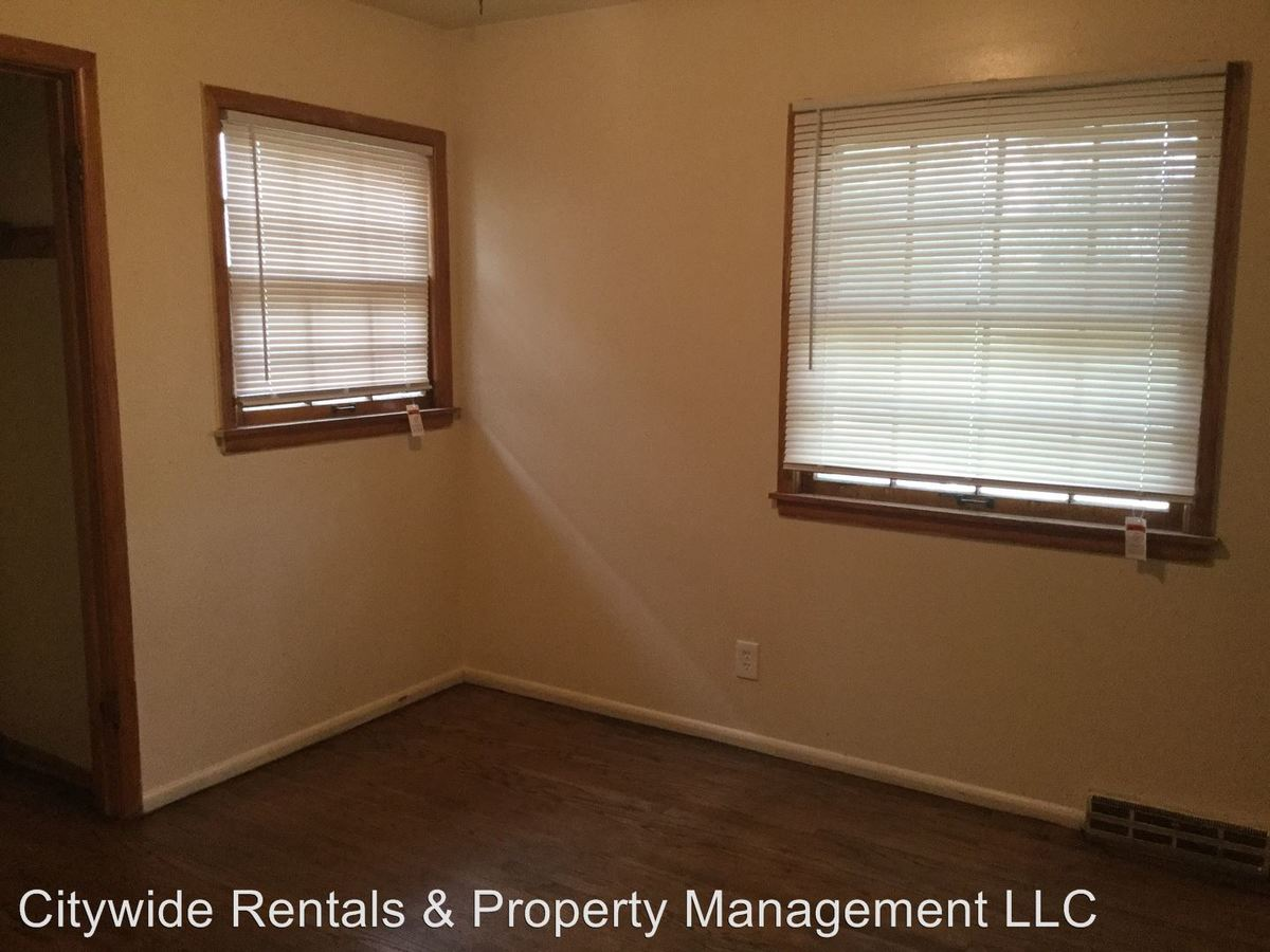 3 Bedrooms 1 Bathroom Apartment for rent at 8655 W Fond Du Lac Ave. in Milwaukee, WI
