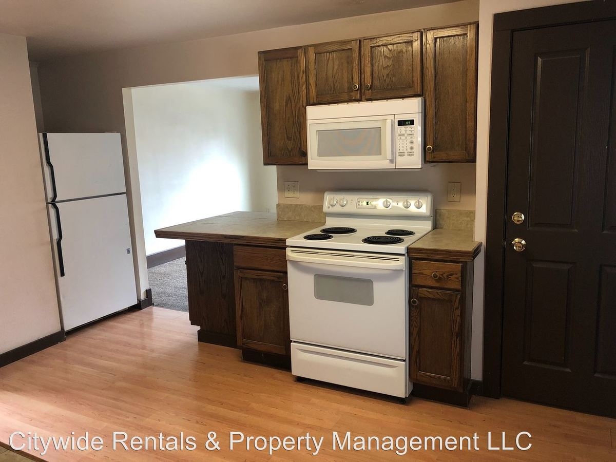1 Bedroom 1 Bathroom Apartment for rent at 1749 N Franklin Pl in Milwaukee, WI