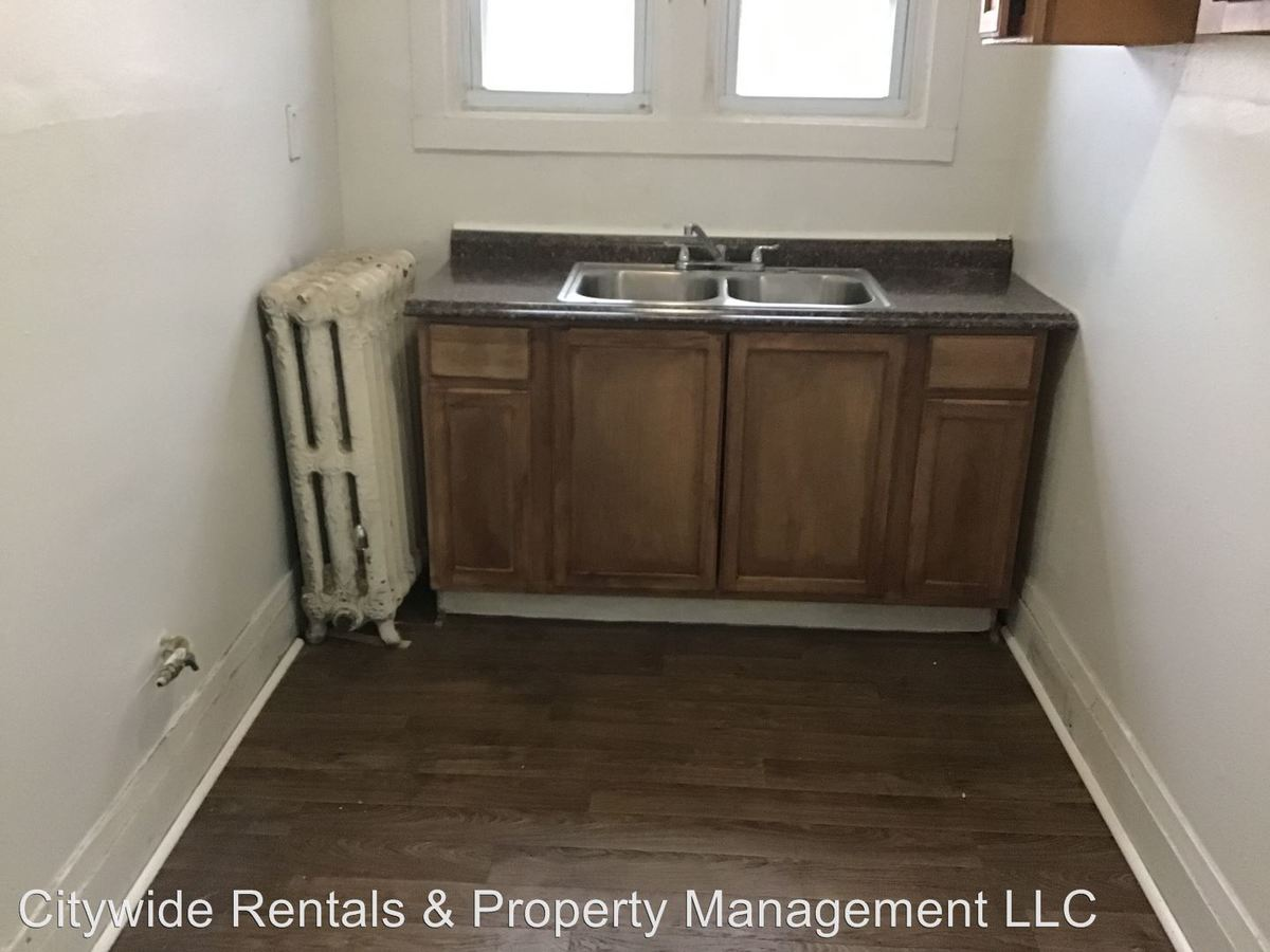 2 Bedrooms 1 Bathroom Apartment for rent at 3866 N Port Washington Ave. in Milwaukee, WI