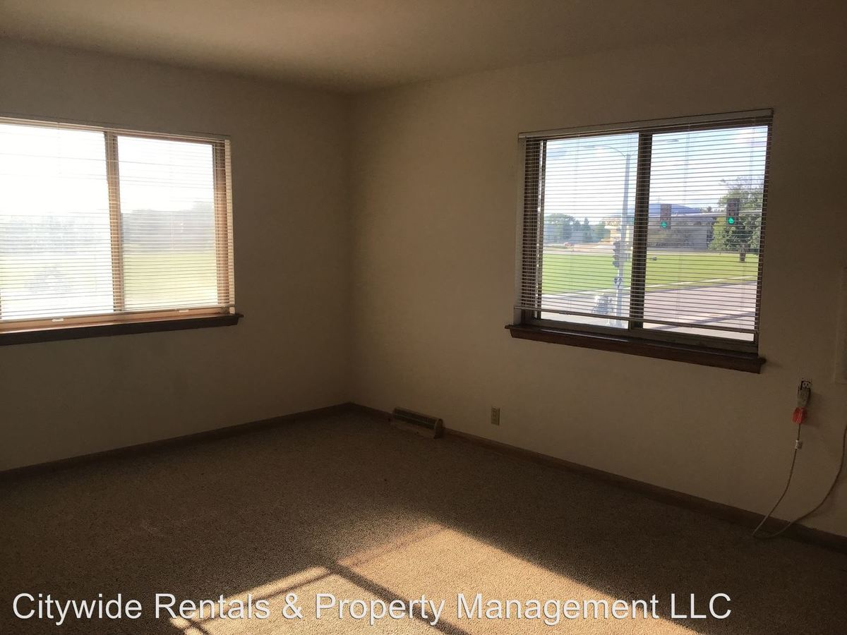 1 Bedroom 1 Bathroom Apartment for rent at 9131 W. Congress St. in Milwaukee, WI