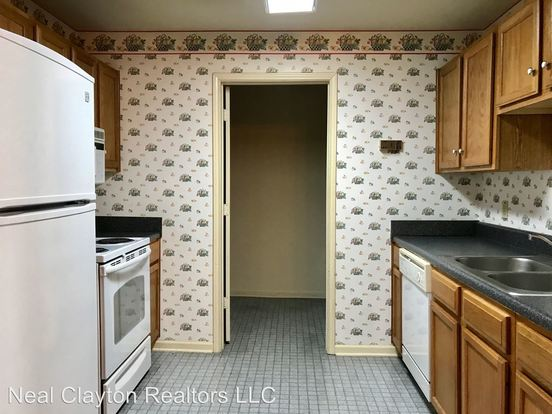 1 Bedroom 1 Bathroom Apartment for rent at 2106 Fairfax Ave in Nashville, TN