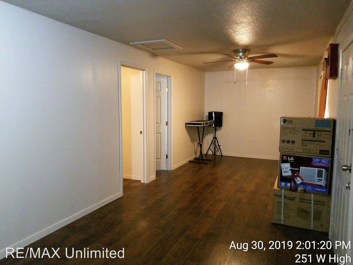 2 Bedrooms 1 Bathroom Apartment for rent at 251 W High Ave in San Antonio, TX