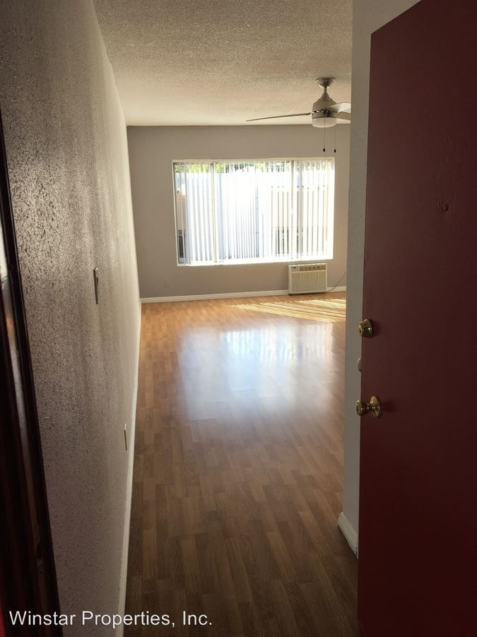 2 Bedrooms 1 Bathroom Apartment for rent at 1011 E. Palmer Ave in Glendale, CA