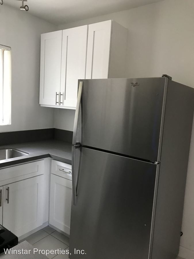 1 Bedroom 1 Bathroom Apartment for rent at 1011 E. Palmer Ave in Glendale, CA