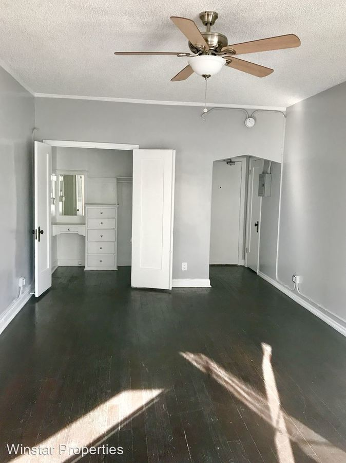 Studio 1 Bathroom Apartment for rent at 854 S. Oxford Ave in Los Angeles, CA