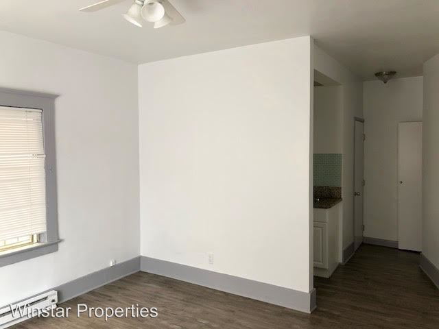 Studio 1 Bathroom Apartment for rent at 906 Pacific Ave in Venice, CA