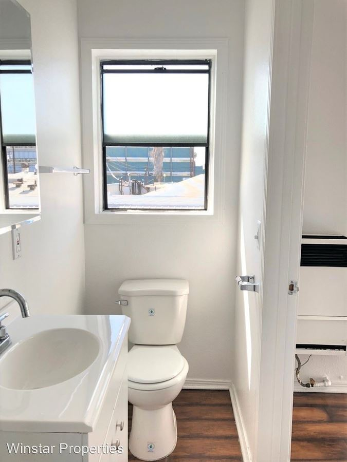 Studio 1 Bathroom Apartment for rent at 231 W. 27th St in Los Angeles, CA