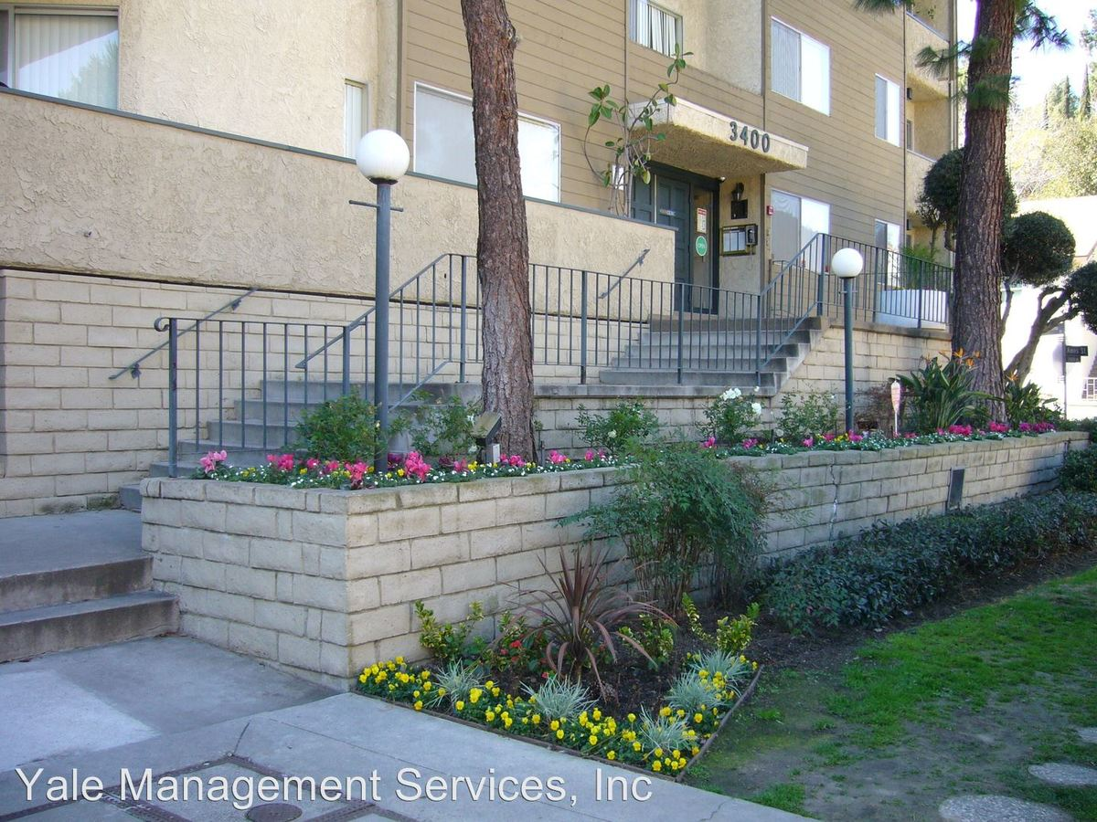 2 Bedrooms 2 Bathrooms Apartment for rent at 3400 Ben Lomond Place in Los Angeles, CA