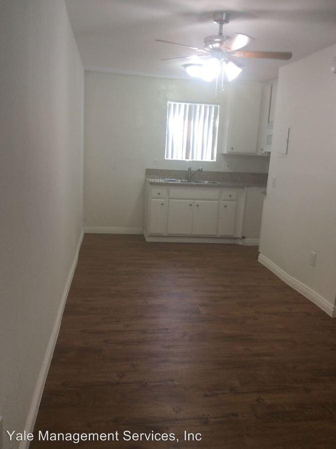 Studio 1 Bathroom Apartment for rent at 21910 Roscoe Blvd in Canoga Park, CA