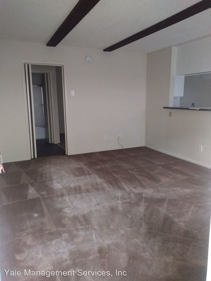 1 Bedroom 1 Bathroom Apartment for rent at 21821-21825 Saticoy Street in Canoga Park, CA
