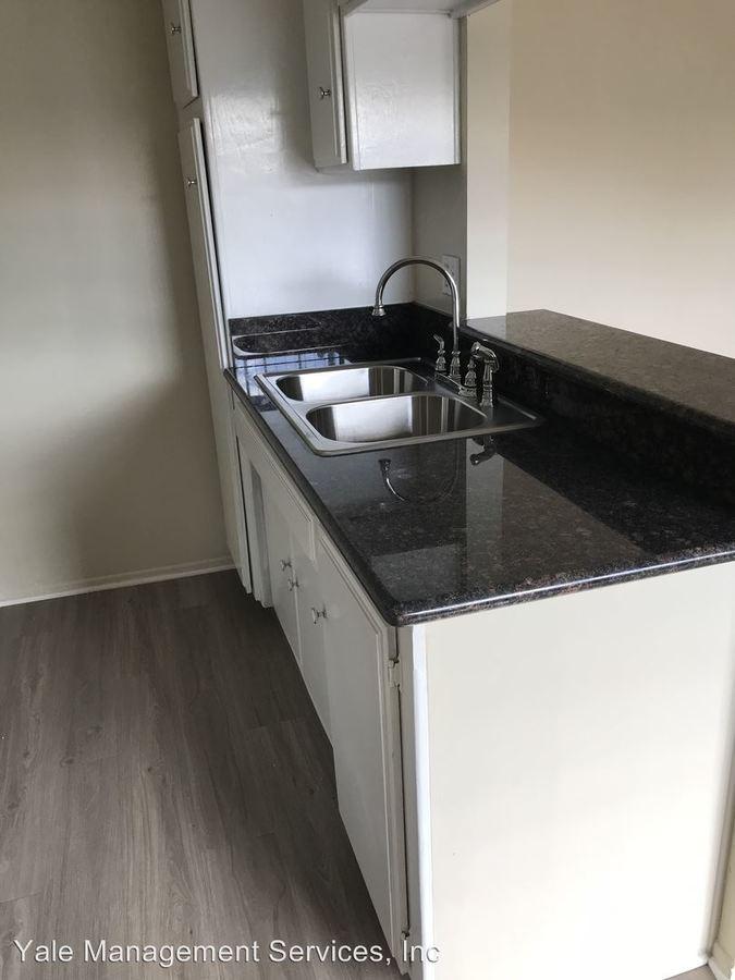 1 Bedroom 1 Bathroom Apartment for rent at 7519-7543 Vassar Avenue in Canoga Park, CA