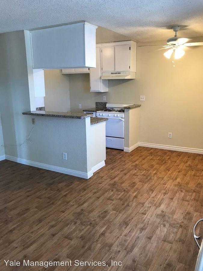 2 Bedrooms 1 Bathroom Apartment for rent at 7519-7543 Vassar Avenue in Canoga Park, CA
