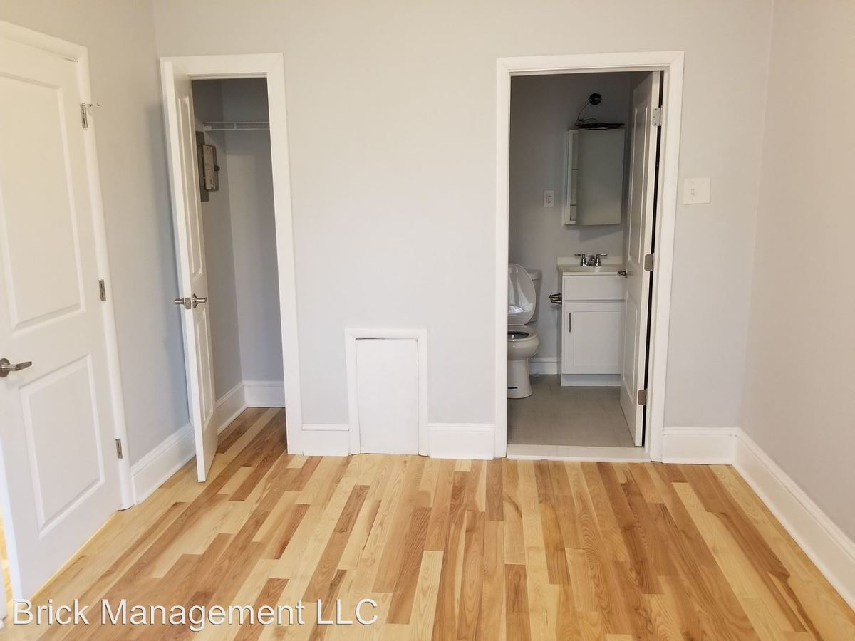1 Bedroom 1 Bathroom Apartment for rent at 1026 Spruce Street in Philadelphia, PA