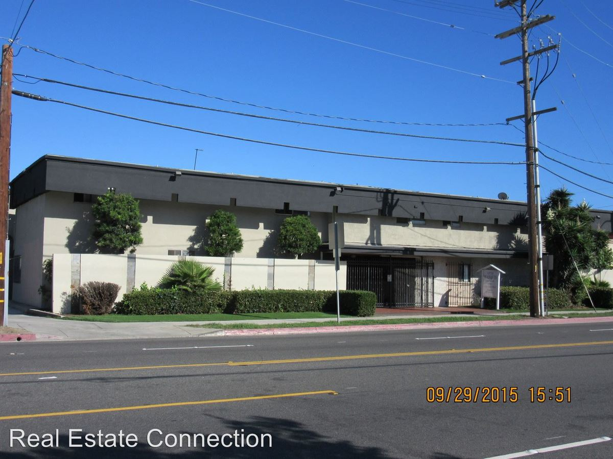 Studio 1 Bathroom Apartment for rent at 12714 Inglewood Ave in Hawthorne, CA