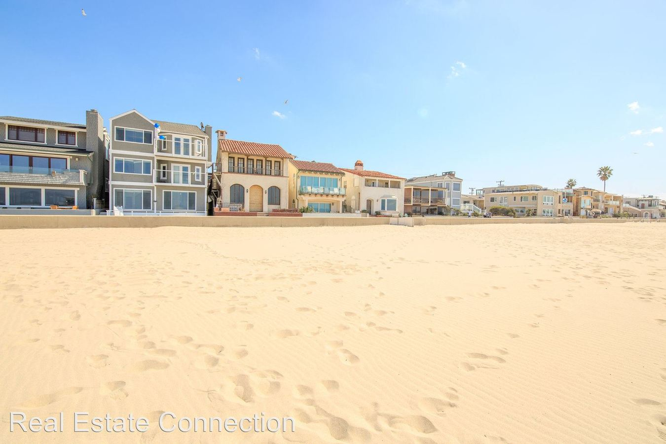 2 Bedrooms 1 Bathroom Apartment for rent at 1836 The Strand in Hermosa Beach, CA