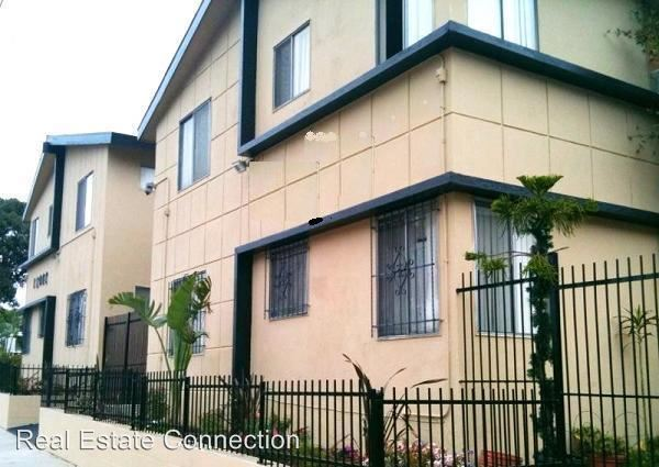 2 Bedrooms 1 Bathroom Apartment for rent at 12402 S. Western Ave. in Los Angeles, CA
