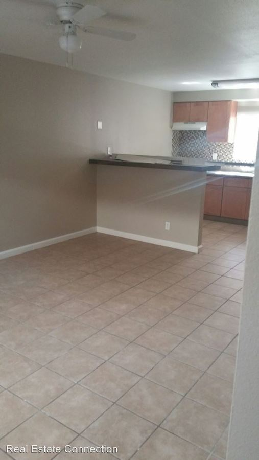 Studio 1 Bathroom Apartment for rent at 13715 Cordary Avenue in Hawthorne, CA