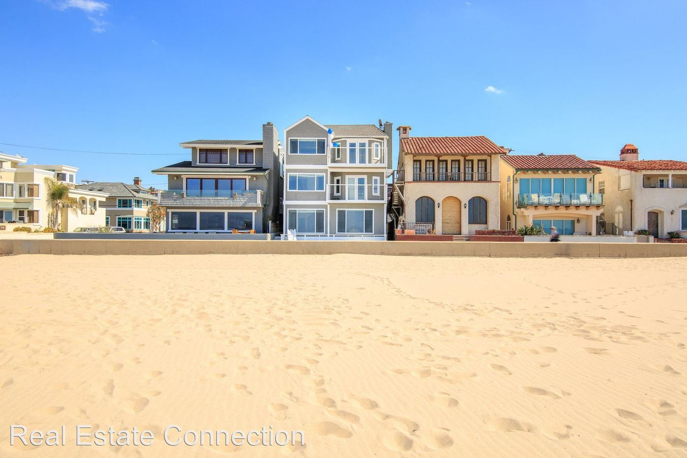3 Bedrooms 1 Bathroom Apartment for rent at 1836 The Strand in Hermosa Beach, CA