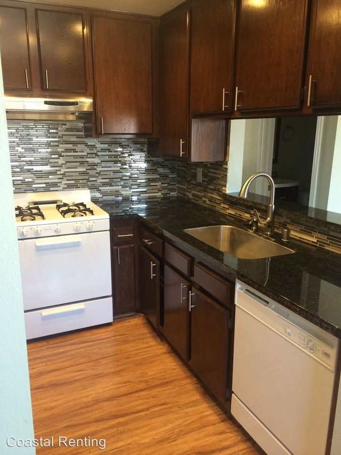 2 Bedrooms 1 Bathroom Apartment for rent at 2015 E. 3rd Street in Long Beach, CA
