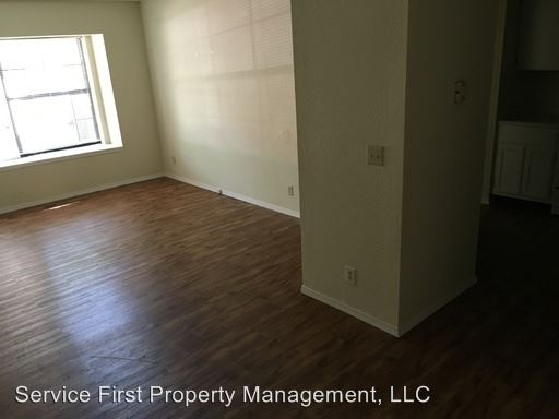 1 Bedroom 1 Bathroom Apartment for rent at 915 W College 945 W College in Bolivar, MO