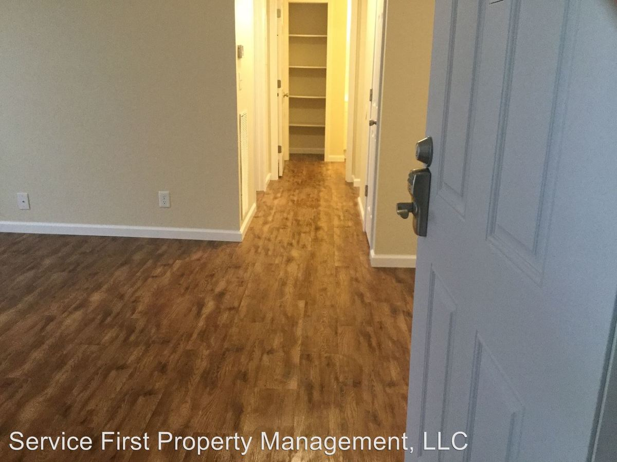 1 Bedroom 1 Bathroom Apartment for rent at 616 Evergreen St in Hollister, MO