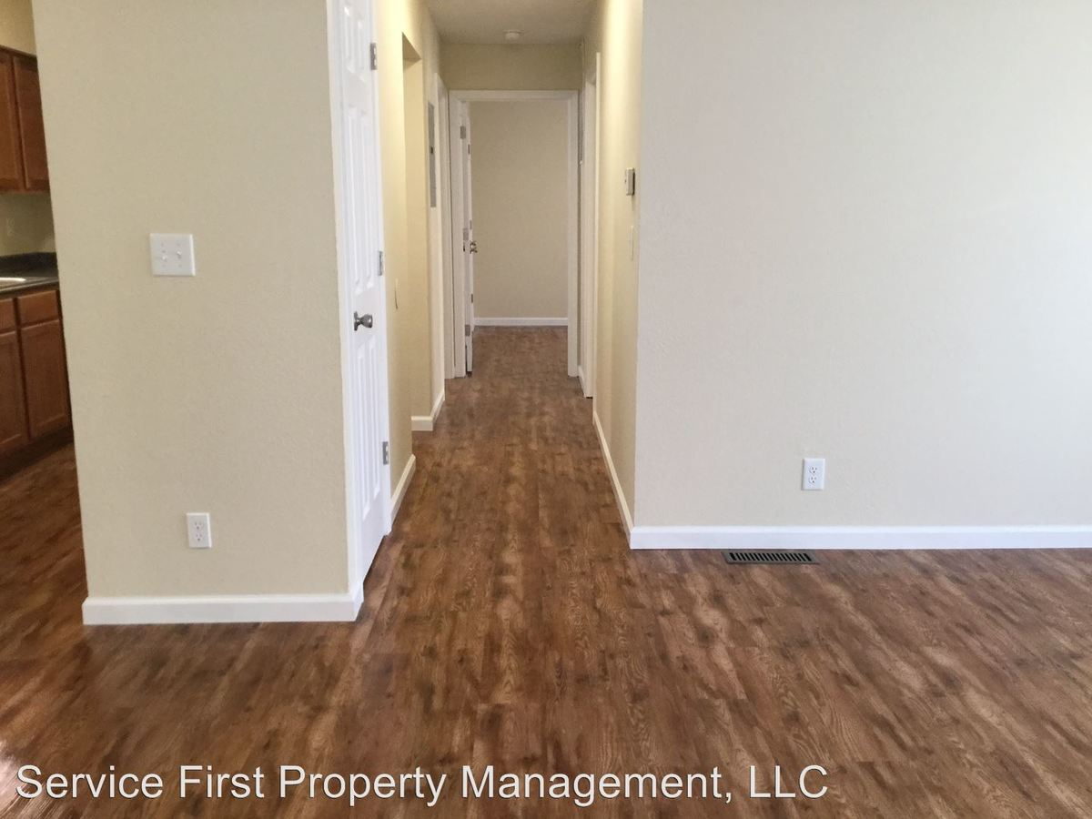 2 Bedrooms 1 Bathroom Apartment for rent at 616 Evergreen St in Hollister, MO