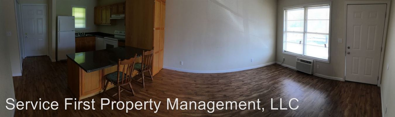 2 Bedrooms 1 Bathroom Apartment for rent at 214 W Austin in Bolivar, MO