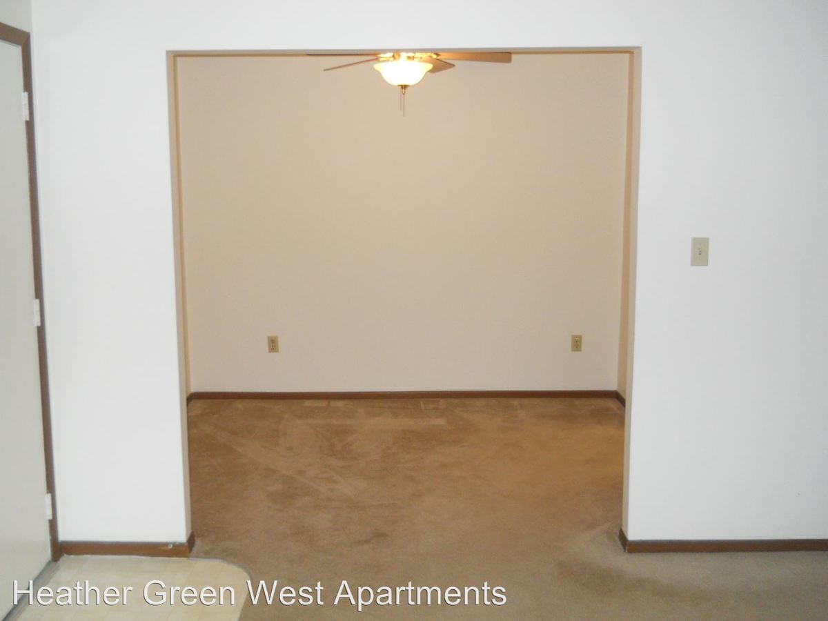 2 Bedrooms 1 Bathroom Apartment for rent at 1325, 1331, 1337 Trade Square West in Troy, OH