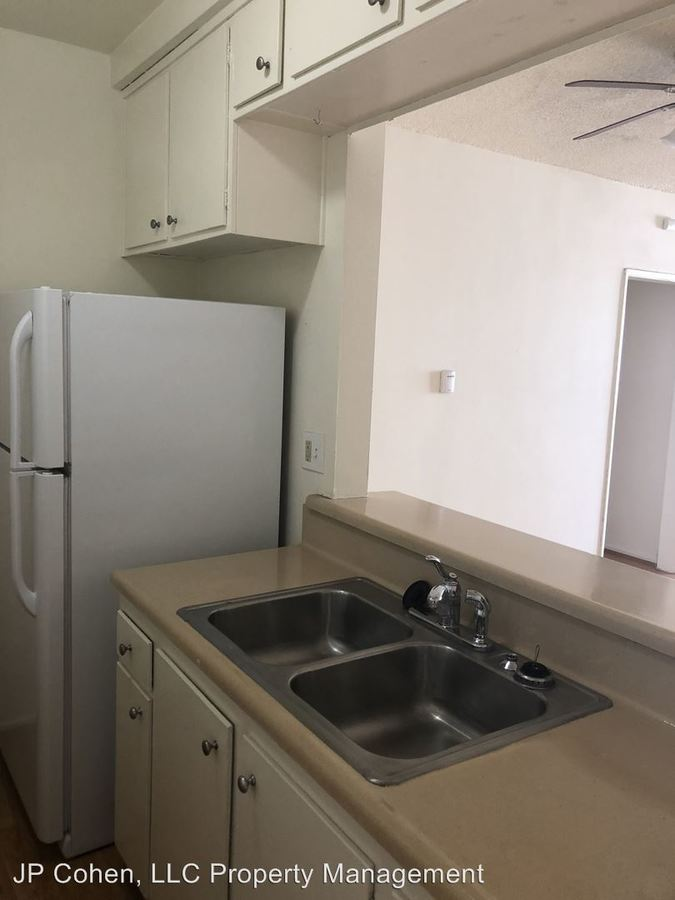 2 Bedrooms 2 Bathrooms Apartment for rent at 114 S. Gramercy Pl. Unit 101-311 in Los Angeles, CA