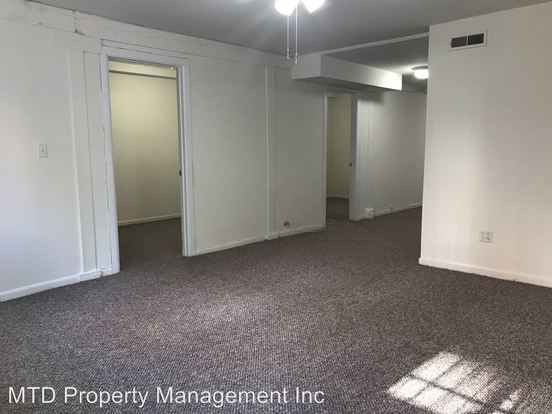 2 Bedrooms 1 Bathroom Apartment for rent at 923 N. Noble in Chicago, IL