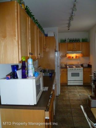 4 Bedrooms 2 Bathrooms Apartment for rent at 1954 N. Sheffield in Chicago, IL