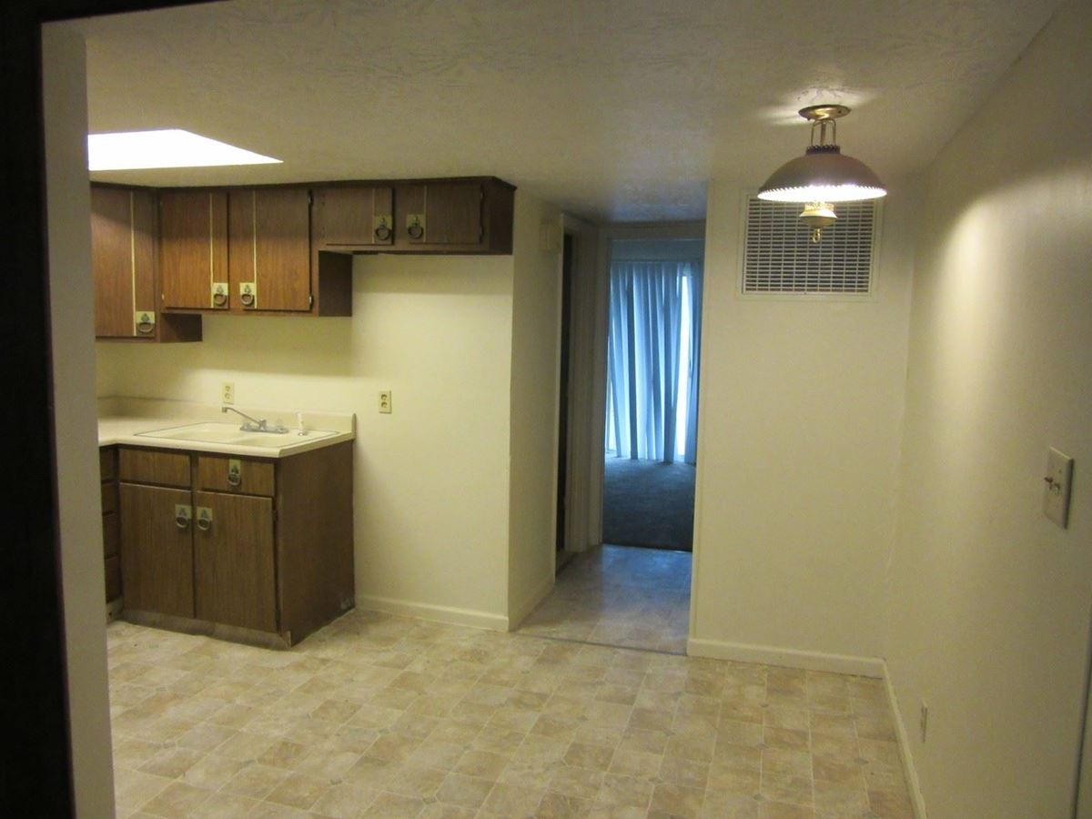 1 Bedroom 1 Bathroom Apartment for rent at Dawn Drive 1 North in Terre Haute, IN