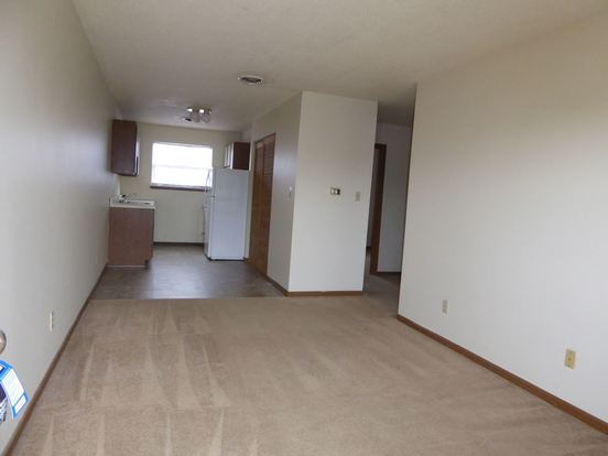 2 Bedrooms 1 Bathroom Apartment for rent at Club Poplar 820 Poplar Street in Terre Haute, IN