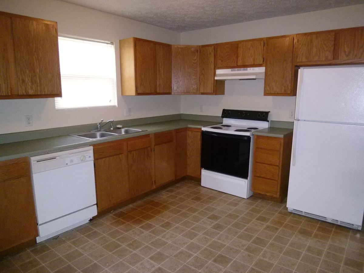 2 Bedrooms 1 Bathroom Apartment for rent at N 25th St Building 2 in Terre Haute, IN
