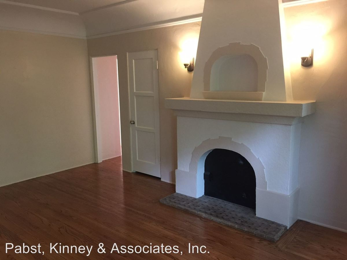 2 Bedrooms 1 Bathroom Apartment for rent at 2930 E. 3rd St. in Long Beach, CA