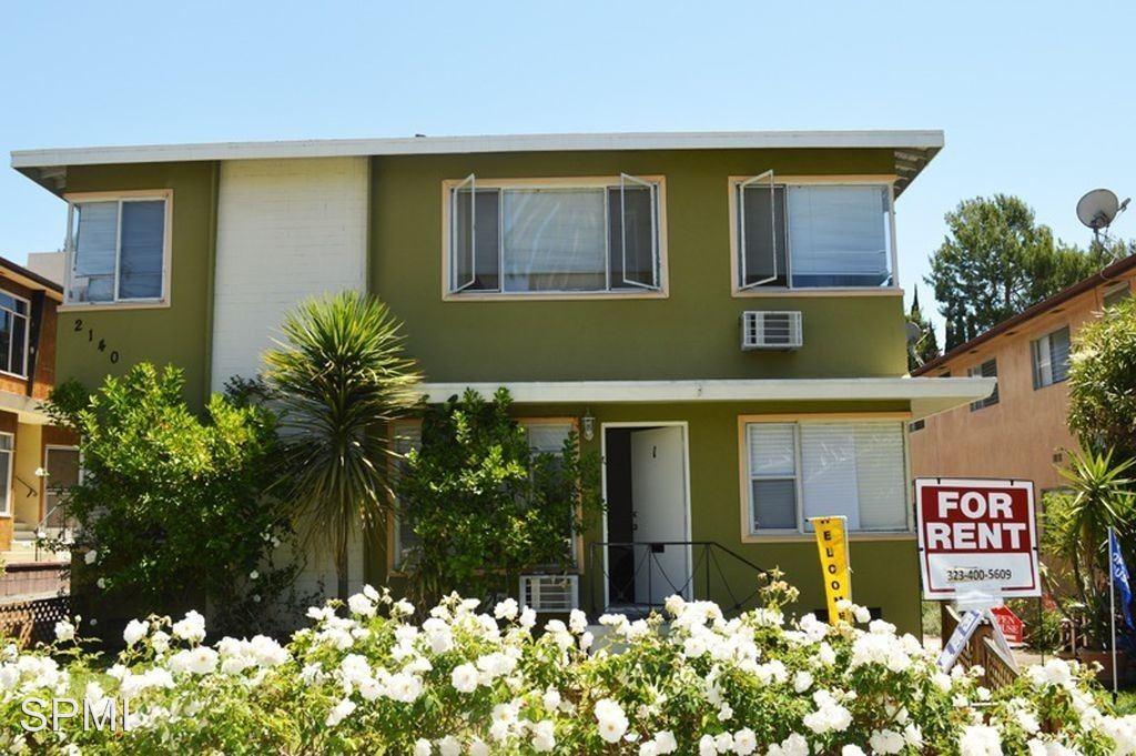 1 Bedroom 1 Bathroom Apartment for rent at 2140 Beachwood #01-16 in Los Angeles, CA