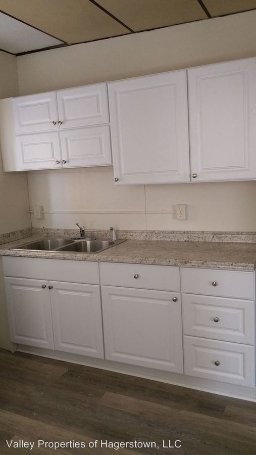 2 Bedrooms 1 Bathroom Apartment for rent at 401-403 Arch St in Cumberland, MD