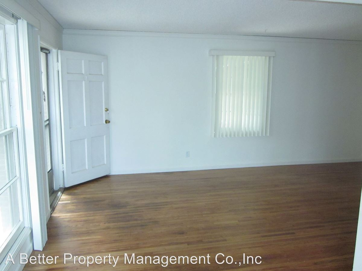 2 Bedrooms 1 Bathroom Apartment for rent at 1218 E. 2nd St in Long Beach, CA