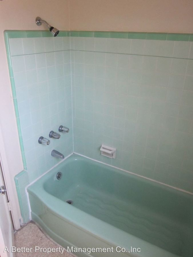 Studio 1 Bathroom Apartment for rent at 1218 E. 2nd St in Long Beach, CA