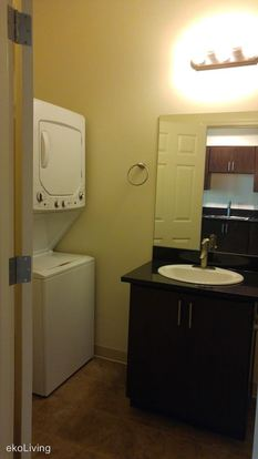 1 Bedroom 1 Bathroom Apartment for rent at 1415 Sw Columbia St in Portland, OR