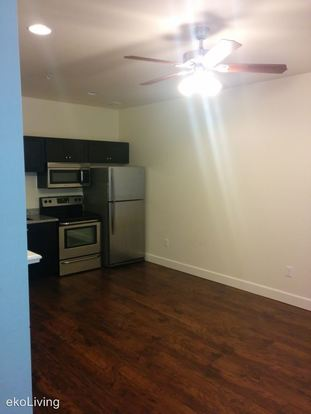 2 Bedrooms 1 Bathroom Apartment for rent at 1100 & 1120 Se Sherman St. in Portland, OR