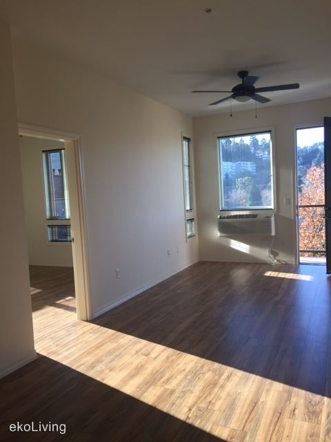 2 Bedrooms 1 Bathroom Apartment for rent at 1415 Sw Columbia St in Portland, OR