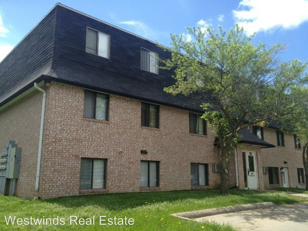1 Bedroom 1 Bathroom Apartment for rent at 326 Finkbine Lane in Iowa City, IA