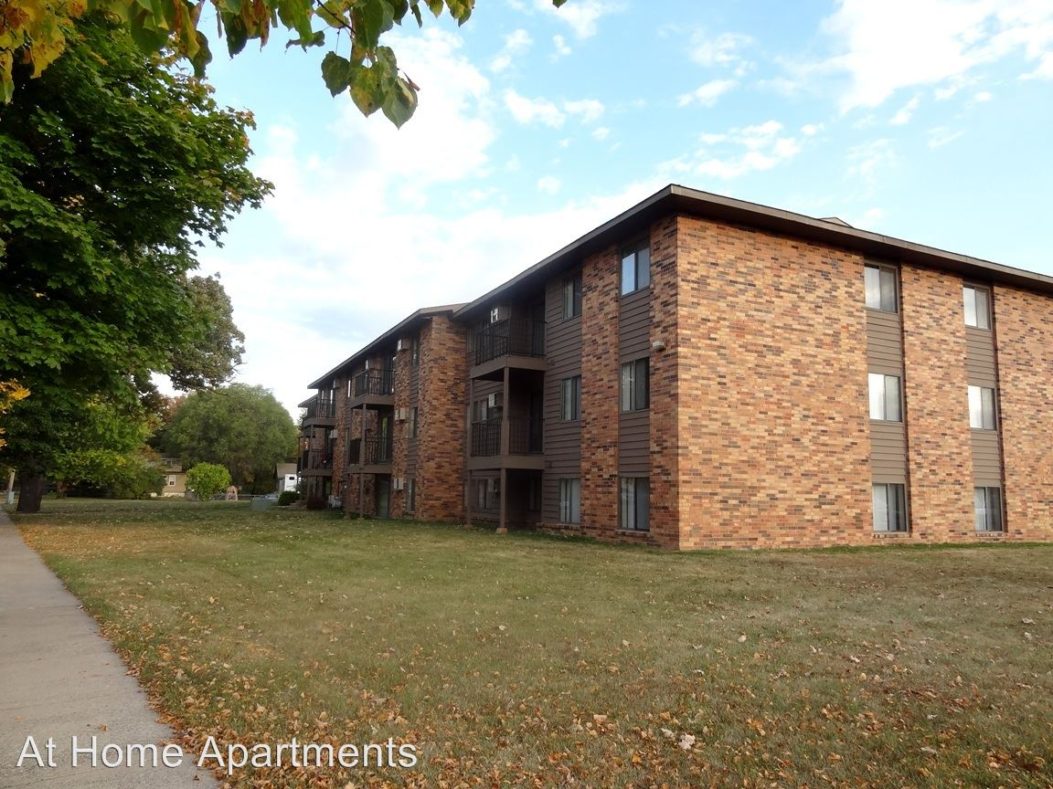 3 Bedrooms 1 Bathroom Apartment for rent at 230/240 2nd St Ne in St Cloud, MN