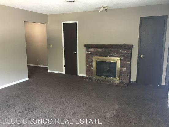 2 Bedrooms 1 Bathroom Apartment for rent at 6321 6327 N Wyandotte St. in Gladstone, MO