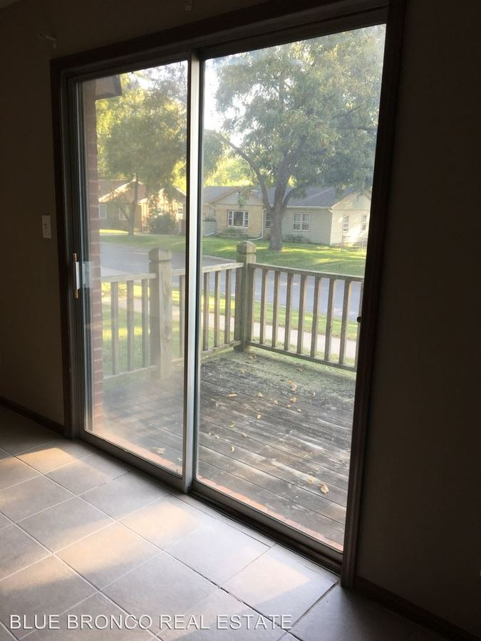 1 Bedroom 1 Bathroom Apartment for rent at 416 Se Corder in Lees Summit, MO