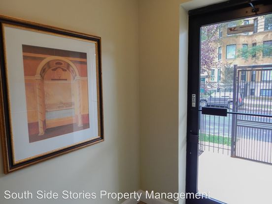 2 Bedrooms 2 Bathrooms Apartment for rent at 4002 S Calumet Ave in Chicago, IL